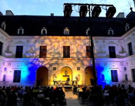 Le Trio SR9 a fait vibrer le chateau d'Ancy le Franc
